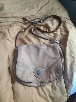 AU10 • Buy Oroton Leather Handbag Tan