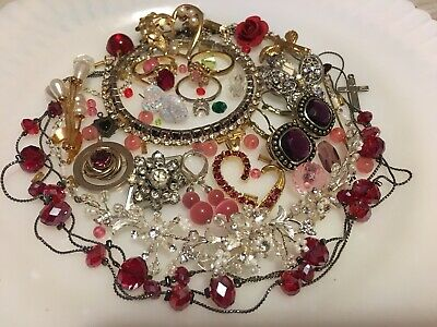 $ CDN48.21 • Buy Vintage Jewelry Lot Necklaces Brooches Pendants Bracelets Rings Glamour Girl