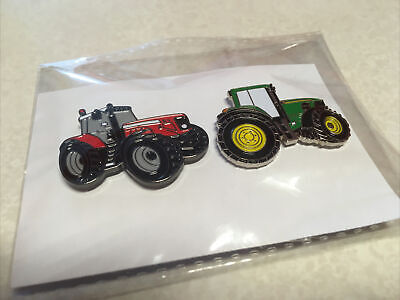 Pin Badges Large Tractor Pair • 6£