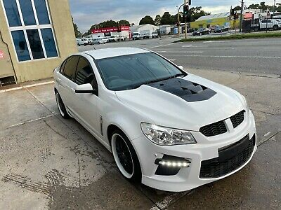 AU14999 • Buy Ex Cop Car Holden Vf Commodore Evoke 2013 Genuine Hsv Vf Gts Bar Custom Bonnet