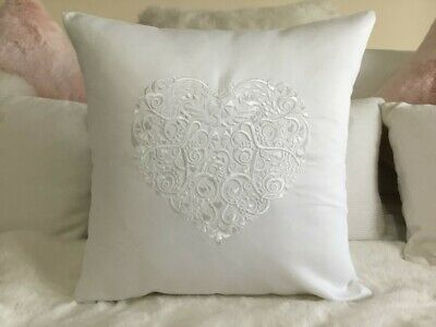 LACE HEART Embroidered Cushion Cover. 100% Cotton. MODERN HOME • 15£