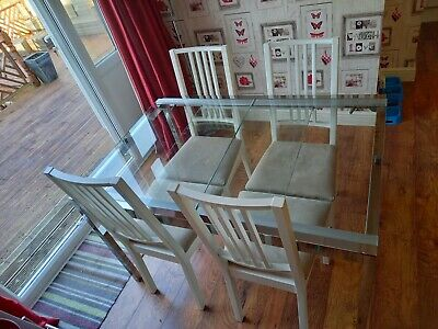 Extending Glass Dining Table And 6 Chairs • 50£