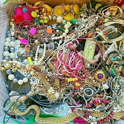 $ CDN23.97 • Buy Unsearched Jewelry Vintage Modern Big Lot Junk Craft Box FULL POUNDS Pieces Part