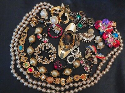 $ CDN37.86 • Buy Vintage Costume Jewelry Lot Rhinestones Bracelets Earrings Necklaces Brooches