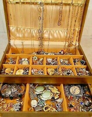 $ CDN19.19 • Buy Nice Jewelry Lot ALL GOOD Wear Resell Vintage Now 5 Pc Custom Brooch Necklace ++