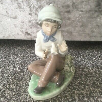 Lladro Nao Calming Caress  - #1154 Boy Siting With A Dove Figurine Perfect • 23£