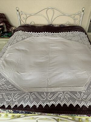 Large Vintage Lace Edged Table Cloth • 0.99£