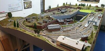 £14995 • Buy 00 Gauge Model Railway Layout DCC 14x7ft (4 Sections) Delivered  Peco Hornby