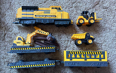 £24.99 • Buy Motor Shop Construction Express Train Set With Lorry Fork Lift Carriages Track