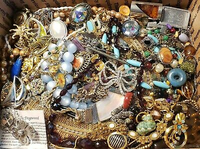 $ CDN60.11 • Buy HUGE 10+lbs Vintage Mod Jewelry Lot Some Signed Most Wear Necklaces + Rhinestone