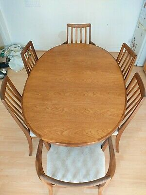 G Plan Extrnding Dining Table And Chairs • 50£