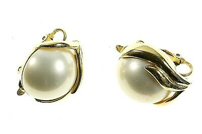 COSTUME JEWELLERY -  Vintage Trifari  Faux Pearl Ear Clips - Gold Plated - 1960s • 4.99£