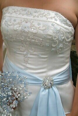 £75 • Buy Wedding Dress Size 12-14 With Brooch, Beaded Bodice And Train