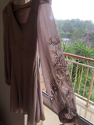 AU18 • Buy Forever New Dress Dusty Pink Sheer Long Sleeves Lace Appliqué Swing Skirt Size 6