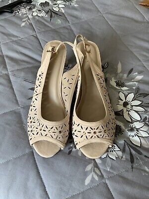 New Evans Ladies Size UK 7 EEE Wide Fit Nude  Low Heel Sandals/ Shoes • 5£