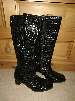 Ladies Long Boots Size 5 • 20£