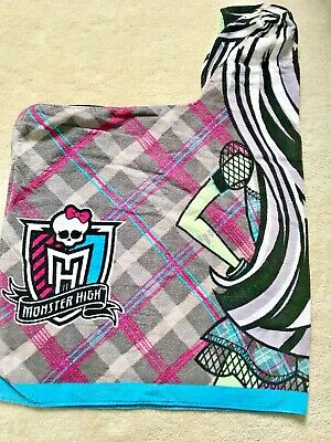 Monster High Hooded Towel (Large 33 X 23.5  Into Hood) • 3£