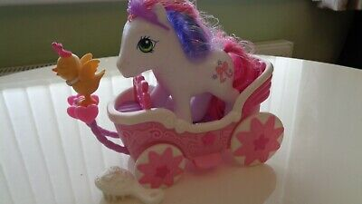 My Little Pony Cute Curtsey And Carriage G3 • 5£