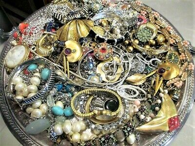 $ CDN23.59 • Buy Unsearched Jewelry Vintage Modern Big Lot Junk Craft Box FULL POUNDS Pieces Part