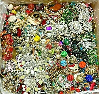 $ CDN42.93 • Buy Jewelry Lot Vintage Now Junk Craft Box 3 POUNDS Necklace Rhinestone Pieces Parts