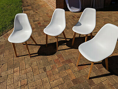 AU0.99 • Buy Lot Of 4 Mid Century Style Matt Blatt Chairs