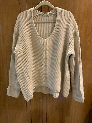£80 • Buy Acne Studios Slouchy Knit Jumper One Size Cream V-neck Knitted Wool