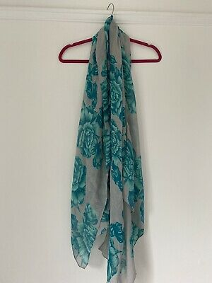 £4 • Buy BRAND NEW WITH TAGS Grey Primark Scarf With Blue Floral Pattern