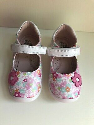 £25 • Buy Garvalin Girls Shoes New With Box Size 7 Multicoloured Floral