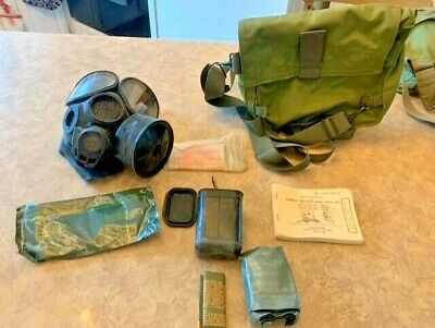 $103.99 • Buy VTG Military M40 Chemical Biological Protective Gas Mask - M/L W/ Accessories