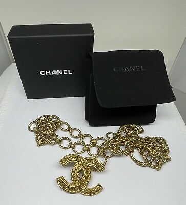 £672.59 • Buy Chanel Gold Tone Chanel Logo Toggle Necklace In Pouch & Box