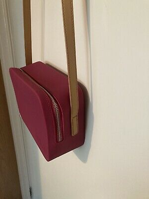 £31 • Buy Fablou Chelsea Bag In Berry With Tan Strap (silicone Version).  Superb Condition