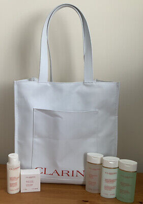 £15 • Buy Clarins Tote Bag & 4 30ml Bottles Lotion/Shower Gel/ Shampoo/Conditioner +Soap