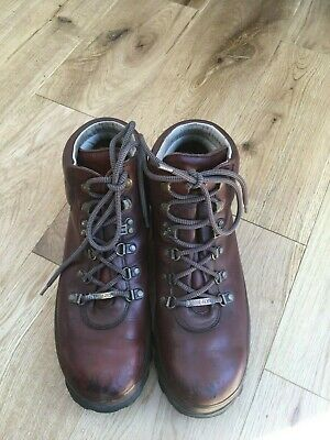 £28 • Buy Brasher Women's Walking Boots. Size 8. Leather With Goretex Lining.
