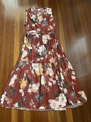 AU30 • Buy Stunning Witchery Floral Flower Dress, 10 - 12, Perfect Work And Office Dress