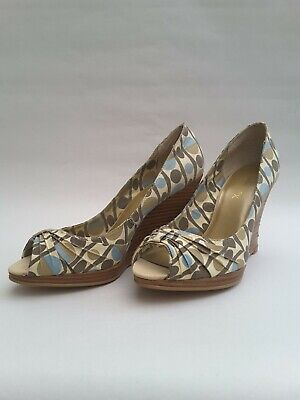 £5 • Buy Emilio Luca Open Toe Wedged Shoes Size 5