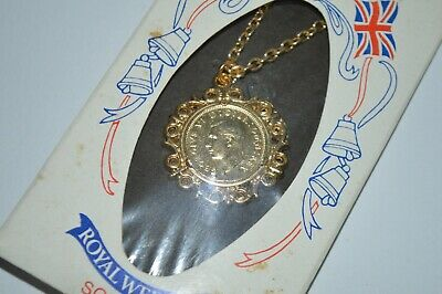 £24.99 • Buy Vintage Royal Wedding Souvenir Six Pence Coin Pendant Necklace, Never Opened 2/