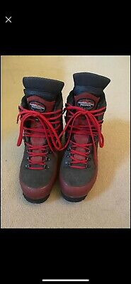 £100 • Buy Men's Meindl Work/Chainsaw Boots UK8
