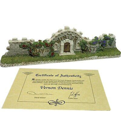 £39.48 • Buy David Winter Cottages The Castle's Wall COA And Original Box 1994