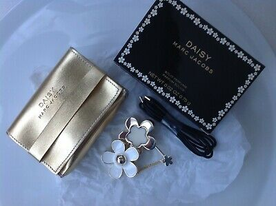 £15 • Buy Marc Jacobs Daisy Solid Perfume Pendant Brooch   New