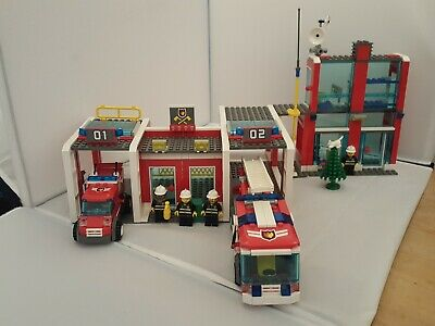 £37.49 • Buy LEGO City 7208 Fire Station 99% Complete - Free Postage
