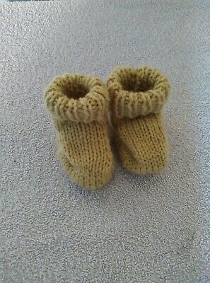 £1.50 • Buy Baby Bootees Green Hand Knitted 0-3 Months