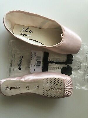 £28 • Buy Repetto Pointe Shoes 5.5