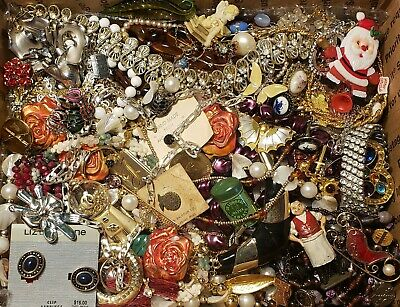 $ CDN12.58 • Buy HUGE 10lbs Vintage Mod Jewelry Lot Some Signed Most Wearable Necklace Rhinestone