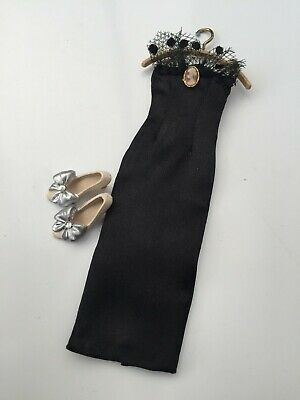 £5 • Buy Display Evening Dress And Silver Shoes Dolls House Heidi Ott