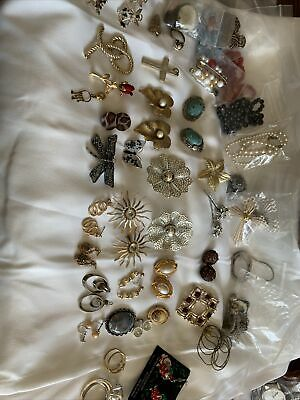 $ CDN12.58 • Buy Lot Of Vintage Jewelry Necklaces Earrings Brooches