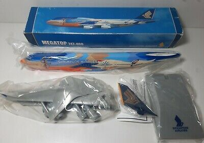AU100 • Buy 1:250 Risesoon B747-400 Singapore Airlines Tropical Livery