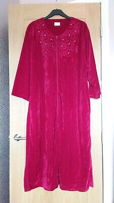 £8.50 • Buy Ladies Dark Red Velour Lounge Wear/Dressing Gown  (New) Size 24-26