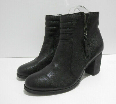 £10 • Buy Clarks Artisan Black Textured Leather Zip Side Ankle Boots UK 8 D VGC