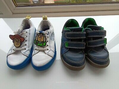 £5 • Buy Boys Shoes Bundle - Navy Clarks And Toy Story - Both Size 9