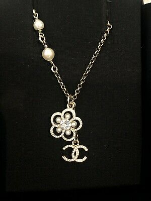 £550 • Buy Chanel Pearl & Crystal CC & Camelia Necklace In Gold